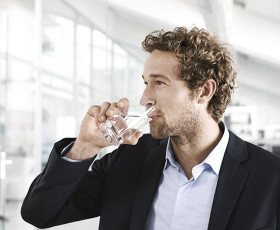 Flüssigkeitsversorgung am Arbeitsplatz