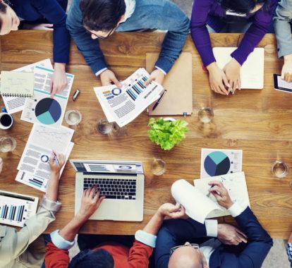 Repräsentative Umfrage zum Thema Meeting-Mythen