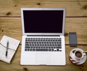 Über die Hälfte der Unternehmen nutzen einen externen Dienstleister für die Umsetzung des digitalen Arbeitsplatzes