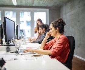 Was Arbeitnehmer beschäftigt – unbezahlte Überstunden, Gender-Pay Gap und psychische Gesundheit am Arbeitsplatz
