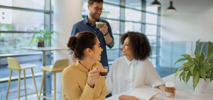 Persönlicher Austausch am Arbeitsplatz – Der unterschätzte Faktor im New Work Konzept