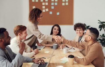 Welche Arbeitsbedingungen Mitarbeiter wirklich zufrieden machen