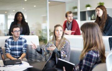 Homeoffice oder Büro oder beides: Unternehmen, die Mitarbeitende ins Boot holen, profitieren von mehr Produktivität