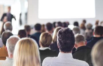 Wer weiter will, muss weiterbilden: 7 Gründe, warum sich Weiterbildungen für Unternehmen lohnen